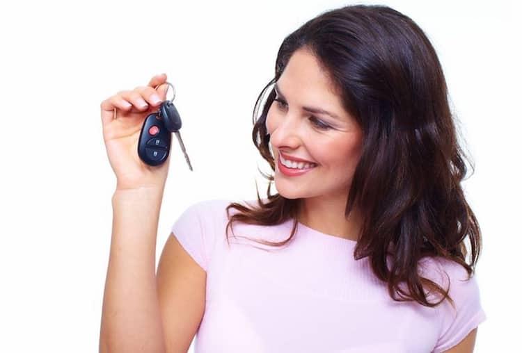 Tussentijds overstappen van autoverzekering