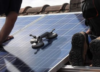 hoe zonnepanelen financieren